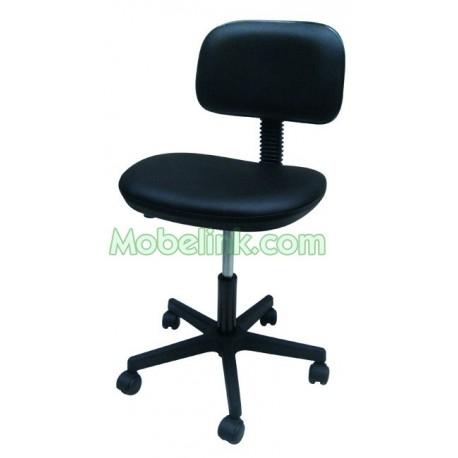 silla a gas con base de plástico y tapizado negro