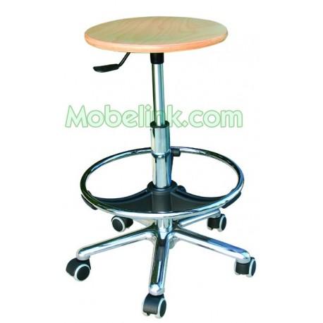 taburete con ruedas y asiento de madrea